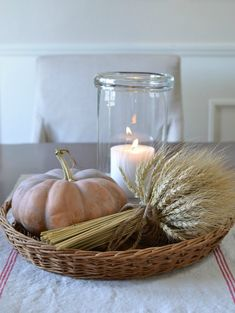 simple harvest fall decorating ideas the most beautiful in the season page 15 Thanksgiving Decorations, Seasonal Decor, Table Decorations, Autumn Home, Fall Home Decor, Autumn Decorating, Decorating Ideas, Decor Ideas, Fall Table