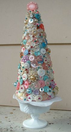 Beautiful Button Tree in vintage milk glass! Awesome Craft Project with a vintage appearance - DIY Bastelideen Cone Trees, Cone Christmas Trees, Unique Christmas Trees, Vintage Christmas, Christmas Holidays, Christmas Decorations, Christmas Ornaments, Xmas Tree, Tree Decorations