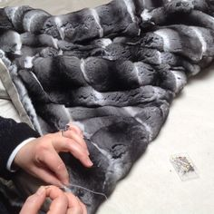 www.norki-decoration.com http://instagram.com/norkidecoration/ Chinchilla fur throw - plaid en chinchilla #norki #norkidecoration #chinchillafur #chinchillathrow #plaidenchinchilla #luxuryinteriors #luxury #interiordesign #architecture #design