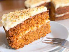 Mrkvový dort s jemným krémem z čerstvého sýra je skvělý vynález! Má úžasnou a zajímavou