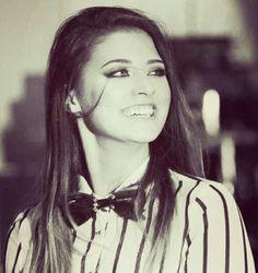 Hoop Earrings, Singer, Celebrities, Artist, Beautiful, Fashion, Moda, Celebs, Fashion Styles