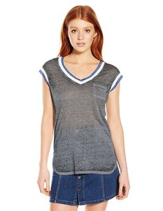 Derek Heart Junior's Extended Sleeve Vee with Contrast *** Don't get left behind, see this great  product : Fashion