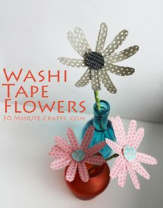 Washi Tape Flowers DIY crafts idea - cute for home decor, on gift wrap and on other projects where paper crafts can be used. Diy Projects To Try, Crafts To Make, Craft Projects, Crafts For Kids, Diy Crafts, Fabric Flowers, Paper Flowers, Washi Tape Crafts, Washi Tapes