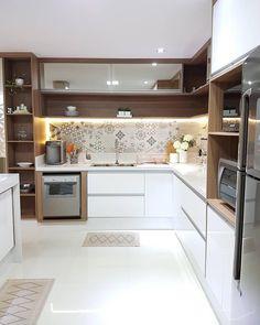 √ Scandinavian Kitchen Design For Your Lovely Home - Boxer JAM Kitchen Room Design, Kitchen Cabinet Design, Kitchen Sets, Modern Kitchen Design, Home Decor Kitchen, Interior Design Kitchen, Home Kitchens, Modern Kitchen Interiors, Modern Kitchen Cabinets