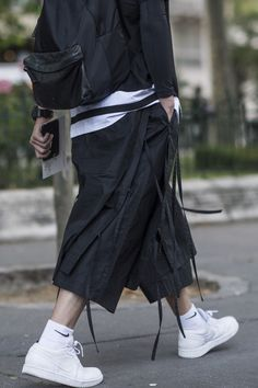 Your Guide For Street Fashion Daily Dark Fashion, Urban Fashion, Mens Fashion, Fashion Outfits, Street Fashion, Street Style Looks, Japanese Fashion, Streetwear Fashion, Sneakers Fashion