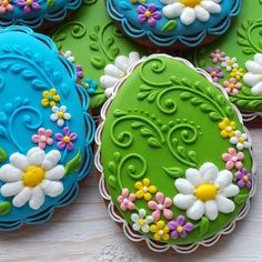 Green Floral Easter Cookie