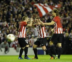 You cannot tell me that this is not adorable. Muniain, Ibai, and Llorente. From elcorreo.com