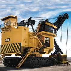 Cat 7495 Mining Shovel which was a 495 Bucyrus-Erie by iCan Group Heavy Construction Equipment, Heavy Equipment, Earth Moving Equipment, Caterpillar Equipment, Cat Machines, Bucyrus Erie, Mining Equipment, Heavy Machinery, Water Pipes