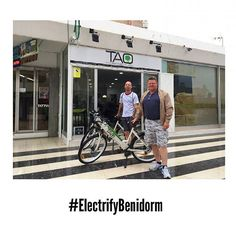 These guys from #Glasgow have decide to enjoy #Benidorm as never before...Riding our #ElectricBikes #TaoBike #WhatToDoInBenidorm #ElectrifyBenidorm