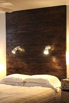 20 + DIY Wooden Headboard Designs With Lighting Handmade Headboards, Diy Headboards, Wood Headboard, Headboard Ideas, Pillow Headboard, Modern Headboard, Wooden Pallet Furniture, Wooden Pallets, Wooden Diy