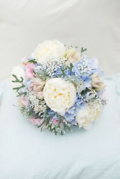 Rosa, Blau, Pfingstrose Blumenstrauß Hortensie Braut Braut Blumen Ziemlich Pastell Entspannt Rustikale Hochzeit www.kayl… Pink, Blue, Peony Bouquet Hydrangea Bride Bride Flowers Pretty Pastel Relaxed Rustic Wedding www. Pastel Blue Wedding, Spring Wedding Flowers, Bridal Flowers, Flower Bouquet Wedding, Wedding Colors, Blue Bridal, Flower Bouquets, Hydrangea Wedding Bouquets, Prom Bouquet
