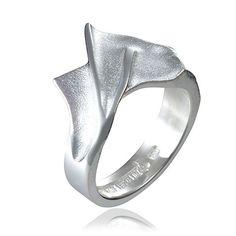 1e Gehalte zilveren ring 'Minthe' ontworpen door Zoltan Popovits voor Lapponia, nieuw in geschenkverpakking. Fraaie stevige ring, gematteerd met gepolijste randen.650175