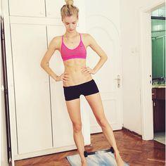 Hoe internationaal fashionmodel Anouk Sanders (Paparazzi Model Management) aan dat mooie lijf komt? In ieder geval niet door chocola af te zweren. Ik vroeg Anouk naar haar sport- en eetgewoonten. Ze vertelt je er graag meer over. Lees je mee?