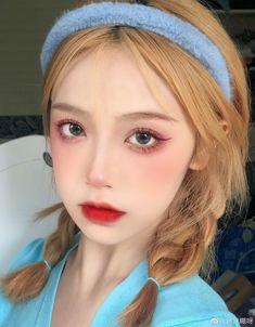 Chinese Makeup, Asian Eye Makeup, Asian Eyeshadow, Kawaii Hairstyles, Cute Hairstyles, Pretty Asian, Pretty And Cute, Cute Asian Girls, Everyday Makeup