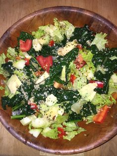 So, I'm home and this is one of the first meals I made for myself ~ It's got steamed kale in seasoned water, raw green leafies, chopped onions, tomatoes, red bell peppers, avos, cukes, hemp seeds. - See more at: http://www.bodaciousliving.com/forum/recipes/414-kale-glory.html#sthash.ofKmGz7B.dpuf  #nutrition #seniornutrition #health #Revvell #BodaciousLiving #vegan #vegetarian #ETL #Fuhrman #cleaneating #salad #kalesalad #nutrivarian