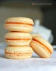 Francuskie makaroniki waniliowe, przepis dla odważnych. / Macarons à la vanille / French macarons photos