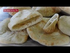 Pita Bread with Vegetable Salad Pita Bread, Pitta, Bread N Butter, Vegetable Salad, Grilling, Bakery, Curry, Rolls, Tasty