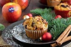 Saftige Bratapfel-Muffins mit Marzipan, Mandeln und Zimt A Food, Food And Drink, Marzipan, Yule, Veggies, Cupcakes, Baking, Breakfast, Sweet