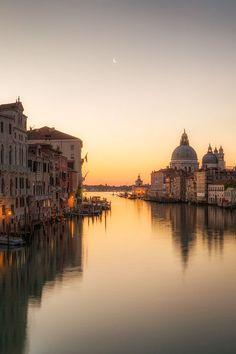 "kcovo: ""Venice glow """