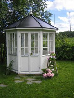 mona lysthus - Google-søgning Shed, Home And Garden, Outdoor Structures, Windows, Dreams, Google, House, Home, Backyard Sheds