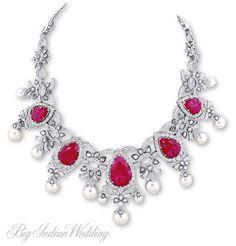 AS Motiwala diamond neck piece