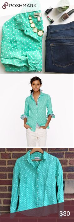 "J Crew Perfect Linen Shirt Soft and lightweight linen shirt in a super fun green and white polka dot. This fit really is ""perfect"" and layers easily for all seasons. EUC. J. Crew jeans and Kate Spade necklace also in closet.   🚫Trades 💰Bundle Discount Offered  ✨Reasonable Offers Welcome 📬 Ships in 1-2 Days J. Crew Tops Button Down Shirts"
