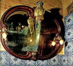 Casa Calvet / Album / Vestíbulo y escaleras de la Casa Calvet