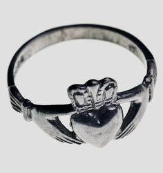 Irish Wedding Tradition - Wedding Legend