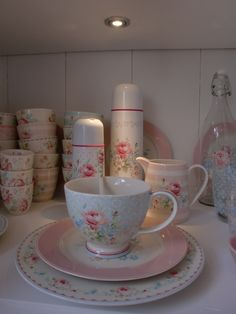 GreenGate Stoneware Marie Pale Blue & Pink mixed with Simone White