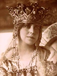 Queen Marie of Romania. Born Princess of Great Britain, and Queen Victoria's granddaughter, she might have been queen of England. Royal Crowns, Tiaras And Crowns, Queen Mary, King Queen, Romanian Royal Family, Romanian Girls, Queen Of England, Royal Jewelry, Jewellery