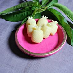 DIY Gift Ideas ~ Crafting these DIY pineapple lotion bars are easy and fun and smell tropical for summer fun! Great as party favors and for kids! Fun Crafts To Do, Whipped Body Butter, Lotion Bars, Homemade Beauty Products, Home Made Soap, Cool Stuff, Diy Stuff, Diy Beauty, Peppermint