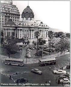 O Palácio Monroe, na Cinelândia 1968. https://www.facebook.com/Guarantiga?fref=ts