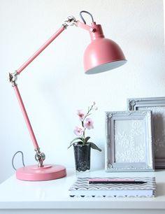 Sprekende bureaulamp Bronq Dominique oud roze
