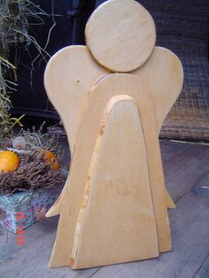 kleiner brennholzengel holz deko f r weihnachten selber. Black Bedroom Furniture Sets. Home Design Ideas
