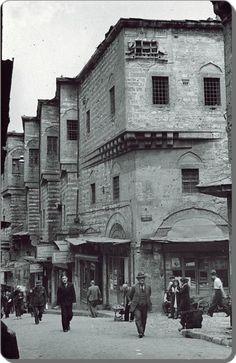 1930'ların sokaklarında yürürken #İstanbul F: Eminönü #istanlook: