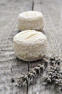A healthy cheese option is goat cheese. And I love goat cheese! Fromage Cheese, Queso Cheese, Creamy Cheese, Goat Cheese, Aged Cheese, Milk And Cheese, Wine Cheese, French Cheese, Pastry Art
