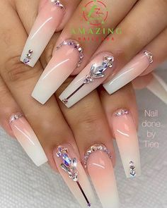 Elegant ombre with gemstones Bling Acrylic Nails, Best Acrylic Nails, Rhinestone Nails, Bling Nails, Bling Nail Art, Perfect Nails, Gorgeous Nails, Pretty Nails, Cute Acrylic Nail Designs