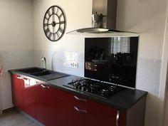 Avis sur la photo 1 Smart Tiles, Credence Adhesive, Stove, Kitchen Appliances, Home Decor, Metro Tiles, Lunch Room, Diy Kitchen Appliances, Home Appliances