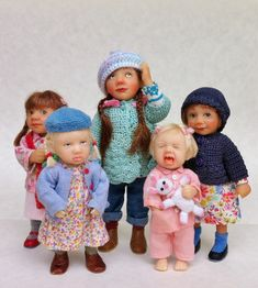 I know this is a long shot, however, are there any Philip Beglan doll owners on…