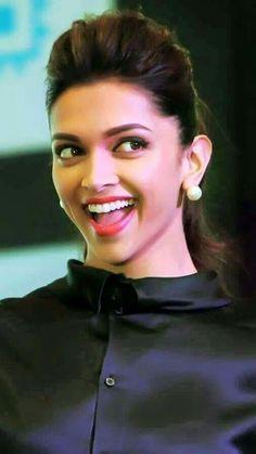 Deepika Padukone launches new HP Slate VoiceTab series Indian Film Actress, Indian Actresses, Actors & Actresses, Beautiful Bollywood Actress, Beautiful Actresses, Indian Celebrities, Bollywood Celebrities, Dipika Padukone, Deepika Padukone Style