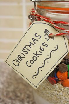 Dreaming of the Country: DIY Gifts: Cookies in a Jar