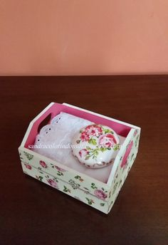 Wood Crafts, Diy And Crafts, Decoupage Art, Bathroom Sets, Bath Accessories, Storage Boxes, Homemade Gifts, Painting On Wood, Pots