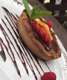 Come in and try our new dessert idea orange chocolate ganache on a cinnamon crust tart! Chocolate Orange, Chocolate Ganache, Logan, Tart, Cinnamon, Summertime, Ethnic Recipes, Desserts, Food