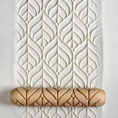 50 Wall Texture Ideas, Learn How To use Decorative Roller - Engineering Discoveries Ceramic Shop, Ceramic Pottery, Ceramic Art, Clay Stamps, Clay Texture, Coil Pots, Clay Tools, Pottery Tools, Wooden Hand