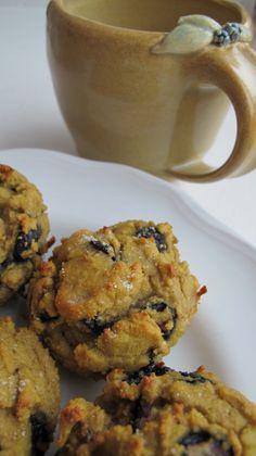 Blueberry scones - grain-free, sugar-free, candida diet friendly! Recipe here: http://candocandidadietfoodandrecipes.blogspot.com/2013/03/suddenly-summer-sunday-morning.html