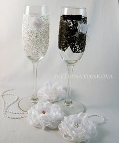 Wedding Champagne Flutes Bridal Shower Gift by LaivaArt on Etsy, $43.00 #wedding #champagne #flutes