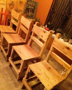 Wooden Pallet Day to Day use Household Furniture - Home Pallet DIY Pallet Chairs, Wood Chairs, Pallet Furniture, Outdoor Chairs, Home Furniture, Outdoor Decor, Wooden Pallets, Pallet Ideas, Diy Wood