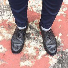 d0fb797e8bc2fb 雨は止みましたが曇天 I wear MOTO black calf Utip today. Sooooo