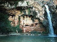 Cueva del Turche (Valencia, Buñol). http://labrujulaimantada.blogspot.com.es/2011/08/la-cueva-del-turche.html