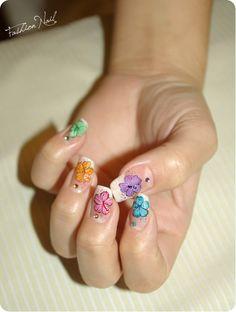 Cute Flower Nail Art